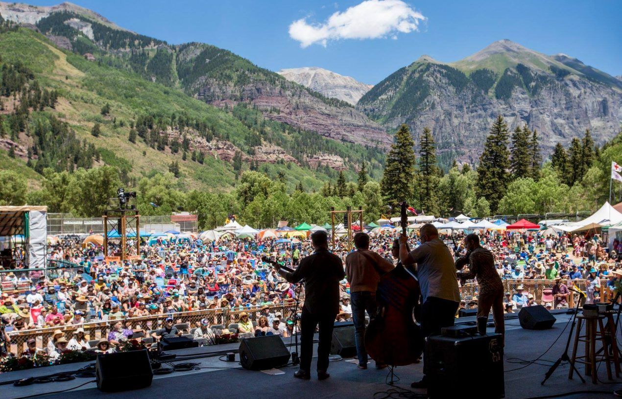 Dampak Positif Menonton Festival Musik Bluegrass Secara Langsung