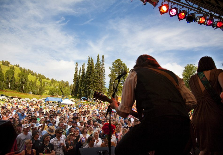 Tips Mendapatkan Banyak Pengalaman di Festival Musik Bluegrass