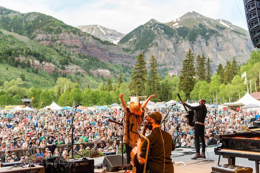5 Rangkaian Acara Musik Menarik di Festival Bluegrass